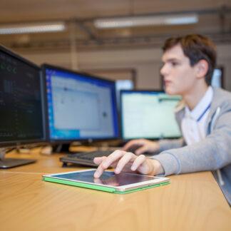 Tulostusoikeus insinööri/tietotekniikka (800100)